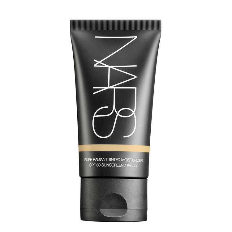 Pure Radiant Tinted Moisturizer SPF 30/PA+++, NARS Bases de maquillaje
