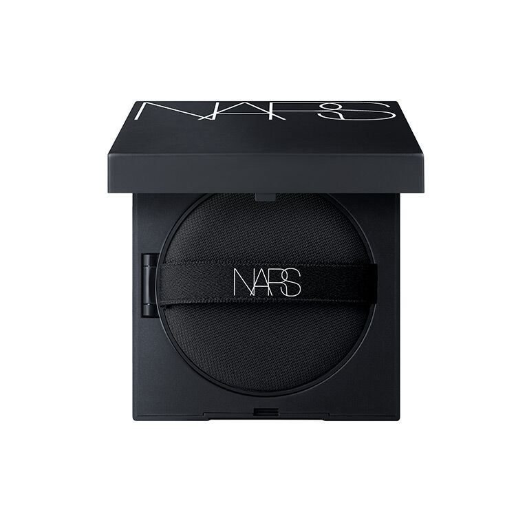 Natural Radiant Longwear Cushion Foundation SPF 50 PA+++ Compacta, NARS Bases de maquillaje