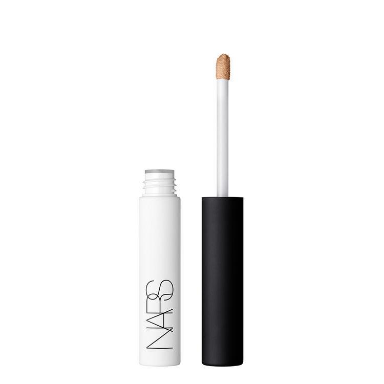 Base de sombra de ojos antidifuminado con color, NARS Prebases de maquillaje