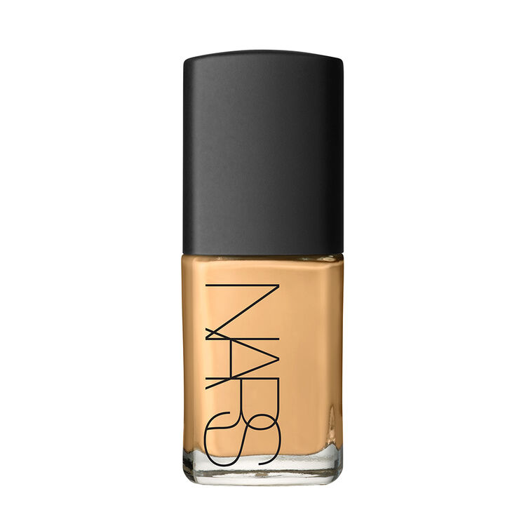 Base de maquillaje con brillo traslúcido, NARS Bases de maquillaje